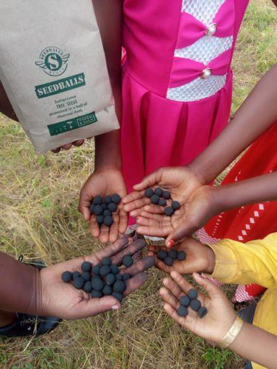 kids with seedballs